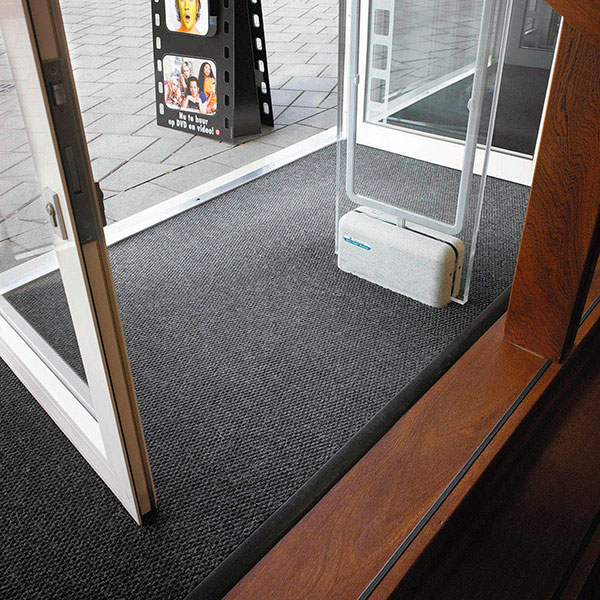 Master Trax Recess Oversize Matting Foyer Mat Large
