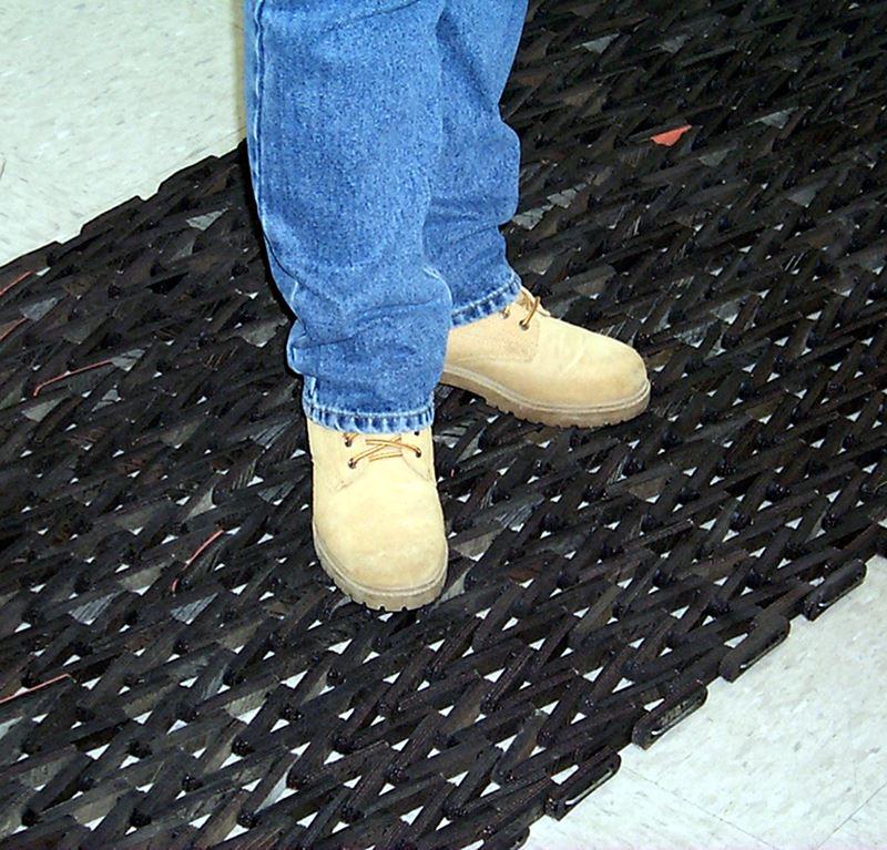 Tire Link Mat Recycled Floor Mats